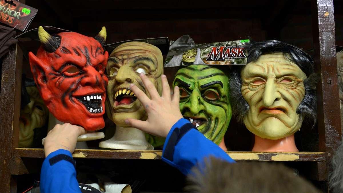 halloween vampir zombie oder hexe das perfekte kost m bayern. Black Bedroom Furniture Sets. Home Design Ideas