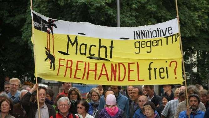 Demo Freitag Wien: Demo Am Freitag In Traunstein: 500 CETA- Und TTIP-Gegner