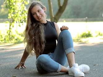 24-Girl Luisa (19) aus Pittenhart