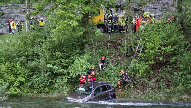 Polo stürzt in Königseer Ache: Frau aus Hochwasser gerettet