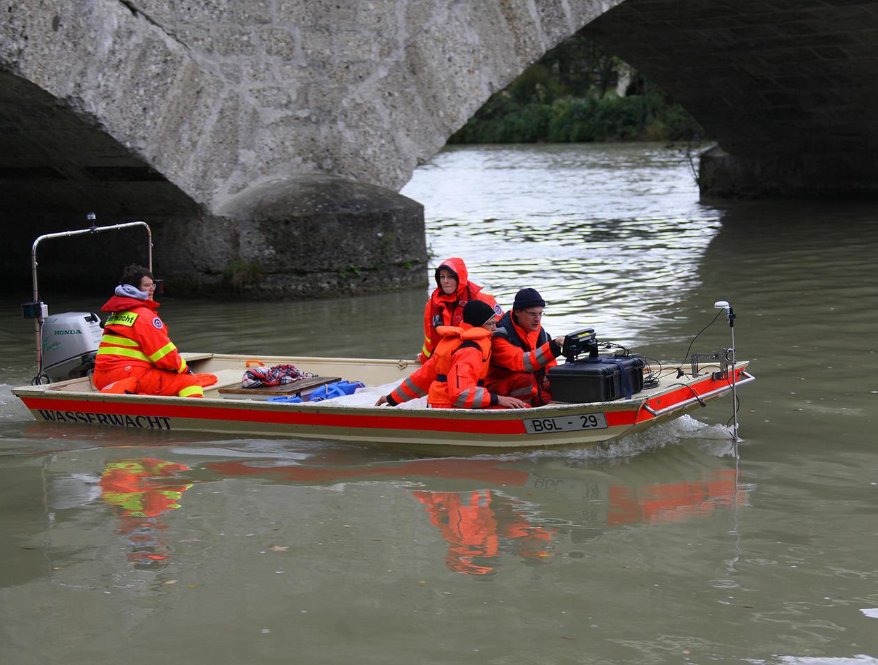 Ainring/Freilassing: Übung der BRK-Wasserwacht auf der