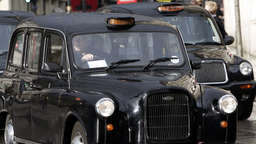 Mutter vergisst Baby in Londoner Taxi