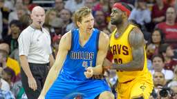 Dirk Nowitzki siegt mit Dallas Mavericks
