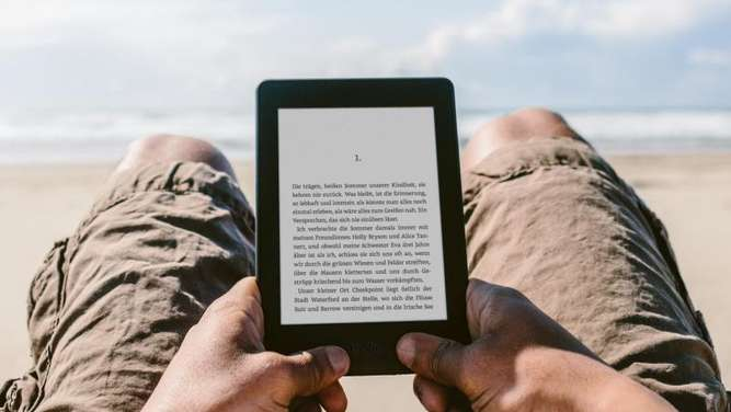Amazon hat seinen E-Book-Reader Kindle Paperwhite aufgerüstet. Foto: Amazon