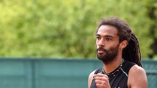Tennisprofi Brown in Paris in Runde zwei