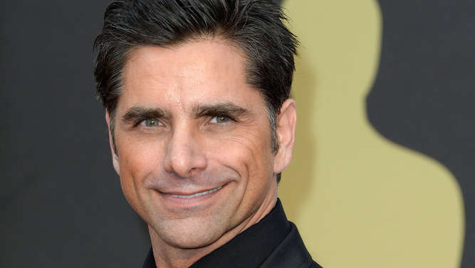 Full-House-Star John Stamos hat sich verlobt