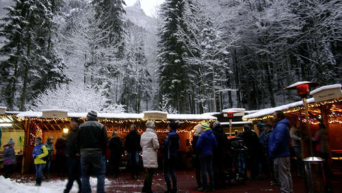 So romantisch war der Wald-Christkindlmarkt in Hallthurm
