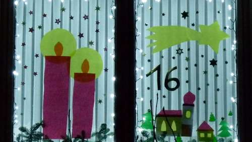 Begehbarer Adventskalender in Ainring