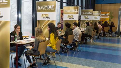 Job-Speed-Dating in der Freilassinger Mittelschule