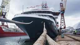 "Die ""World Explorer"" von Nicko Cruises"