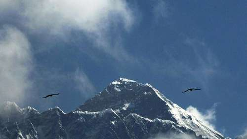 Tod beim Abstieg: US-Amerikaner stirbt am Mount Everest
