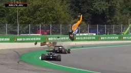 Formel 3: Horror-Crash in Monza - Video zeigt unfassbare Szenen