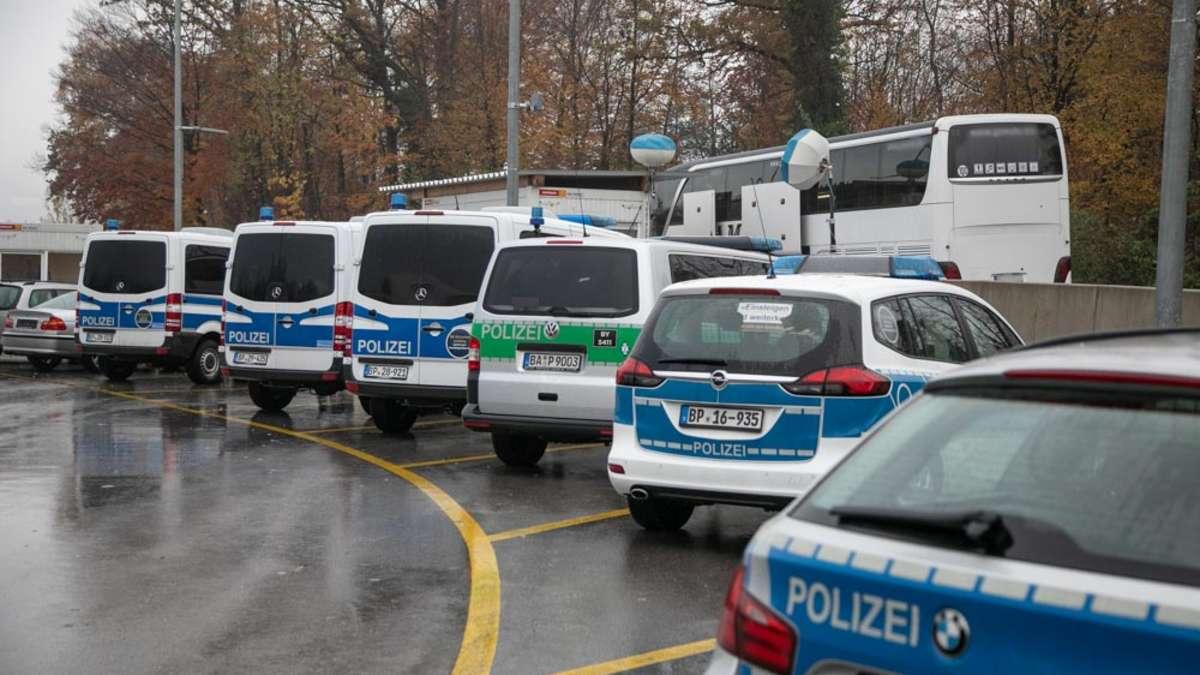 Bad-Reichenhall: Polizei entdeckt illegal eingereiste Personen bei Kontrolle von Reisebus am Walserberg | Bad Reichenhall - bgland24.de