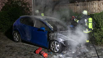 Auto in Kirchanschöring in Vollbrand