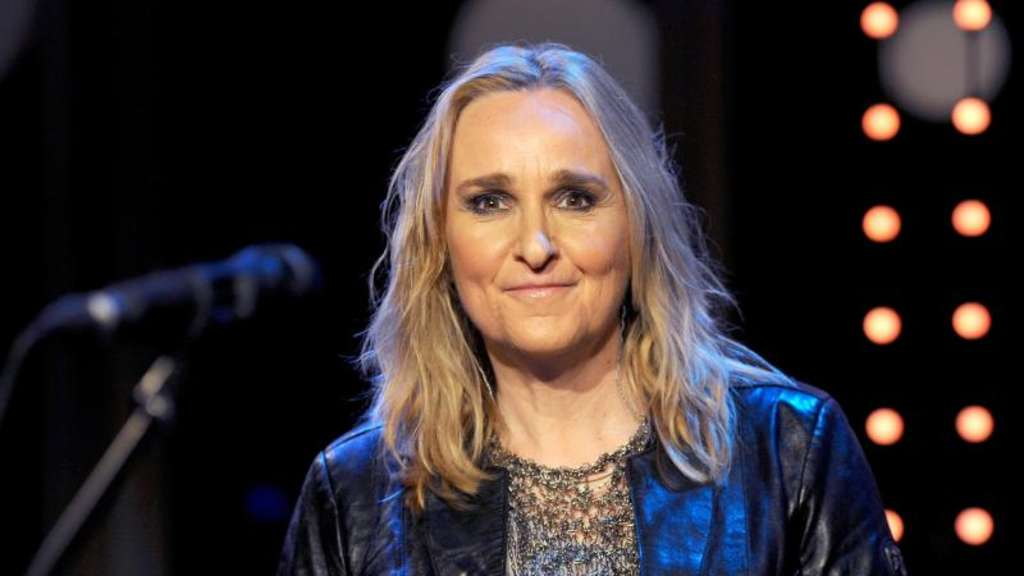 US-Sängerin Melissa Etheridge 2015 in der Talkshow 3nach9 im Sendesaal von Radio Bremen. Foto: picture alliance / dpa